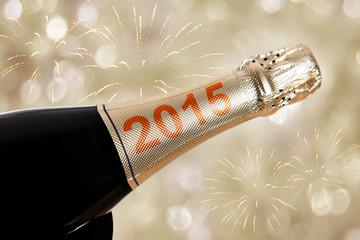 2015 auf champagnerflasche