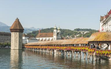 Luzern, historische  Altstadt, Kapellbrücke, Reuss, Schweiz