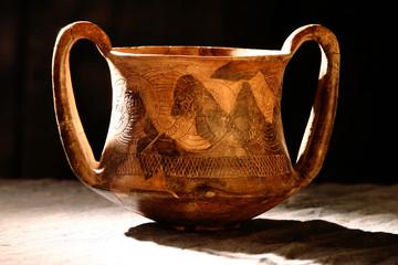 archeologia vasellame ritrovamenti civiltà degli etruschi