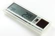elektronisches Preisschild isoliert auf weißem Hintergrund - 72331190