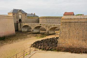 fort + musée , port louis, lorient en bretagne