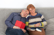 Älteres Ehepaar beim Entspannen