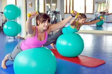 Gymnastik im Fitnessstudio