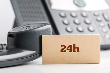 24h telephone support concept