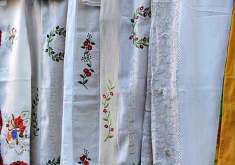Artesanía española, telas bordadas