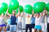 sportgruppe beim trainieren
