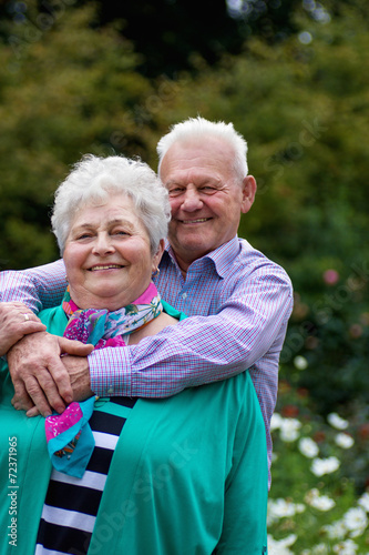 Seniorenpaar - 72371965