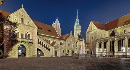 Burgplatz  Braunschweig beleuchtet