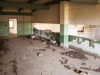 Einblicke in eine alte vergessene  Lagerhalle
