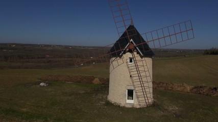 Moulin a vent vue aérienne par drone