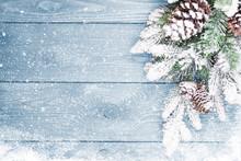 Stare tekstury drewna z śniegu i firtree