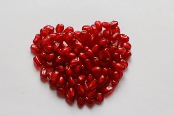 Сердце наполненное гранатом