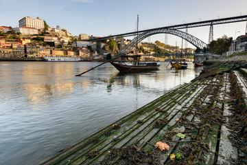 Douro e os seus barcos rabelo