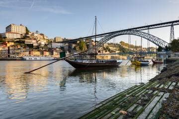 Cidade do Porto e os Barcos Rabelos