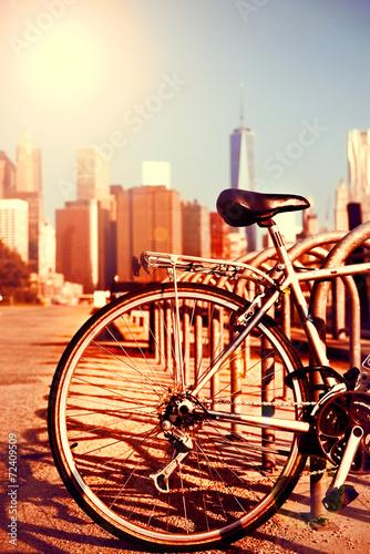 Fototapeta Bicycle and Manhattan view