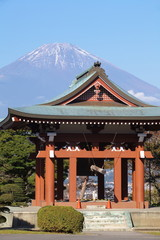 Japanese temple architecture and mountain fuji in behind