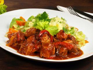 Paprikagulasch mit gemischtem Gemüse