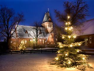 Weihnachtliche Kirche