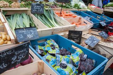 Vente de légumes à l'étalage