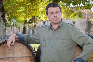 Homme, viticulteur