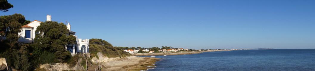 côte de Saint-Palais-sur-Mer depuis le sentier des douaniers