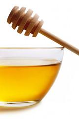 Honey in glass bowl