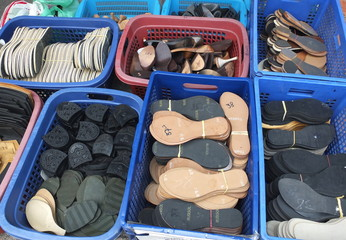 type shoe sole and shoe insole