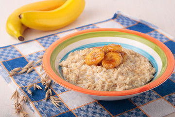 Oat meal with caramelized banana