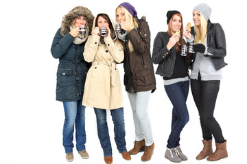 Gruppe von Frauen im Winter