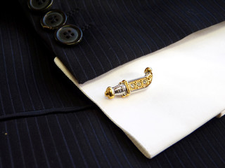 Cuff link in the form of the Ancient knife