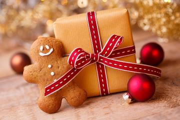 Deko - Weihnachtsgeschenk mit Lebkuchenmann