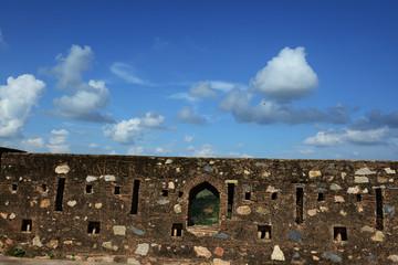 A boundary wall at the Garh Kundar Fort