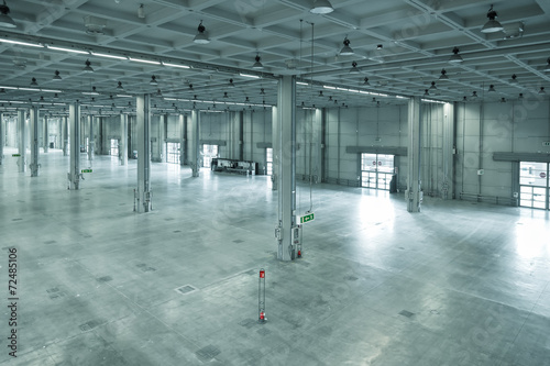 empty large modern warehouse, industrial area or factory - 72485106