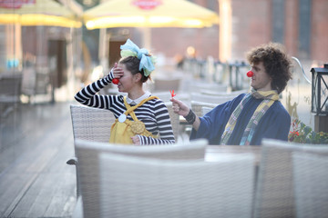 Clowns dating; street theater concept