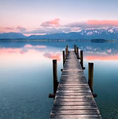 Alpenglühen am See
