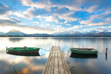 2 Boote am Steg - Alpensee