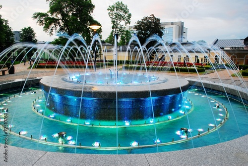 Fountain dancing with music and changing colors - 72510760