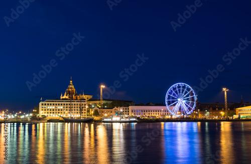 Staande foto Scandinavië Helsinki in the dusk