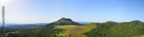 Papiers peints Volcan Puy de Dôme vu panoramique