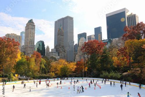 Ice Skating in Central Park, New York City - 72520541