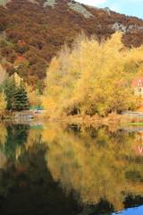 осенное озеро