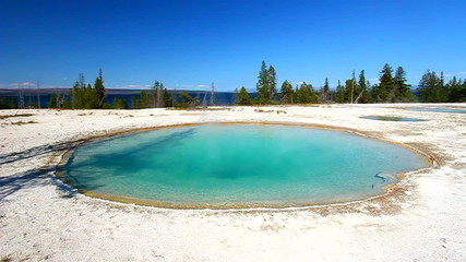 Yellowstone Blue Funnel Spring