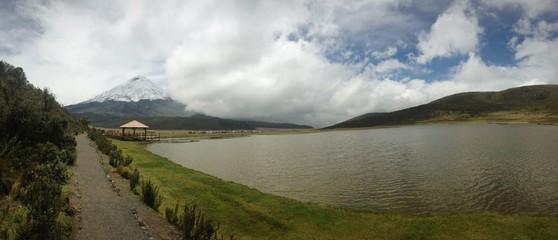 Volcan - Laguna