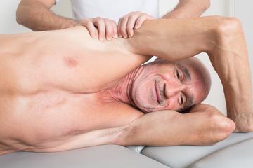 Lächeln bei Physiotherapie