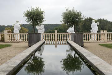 itailan garden with old sculptures