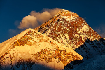 Picturesque view of Mount Everest at sunset
