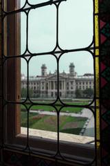 Museo etnografico di Budapest, visto dal Parlamento