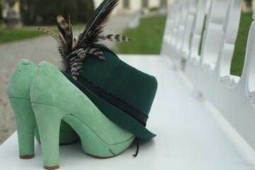 Schuhe mit Hut