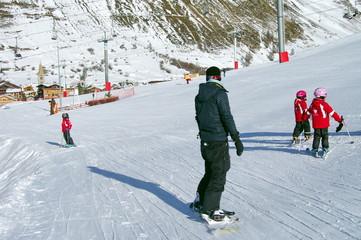 snowboardeur sur la piste