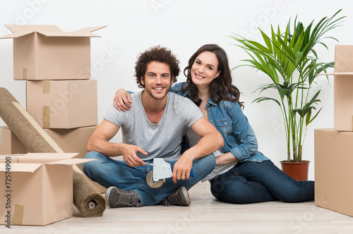 Leinwanddruck Bild Young Couple Moving To New House